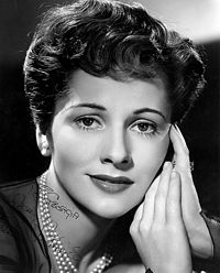 Joan Fontaine2.jpg